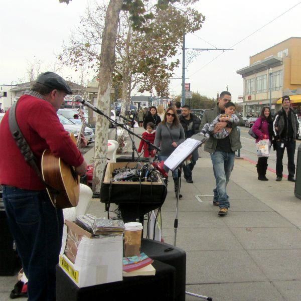 JAMES CROCI SINGS AT WHARF.